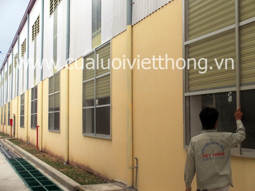 Cửa chống muỗi Việt Thống tại KCN